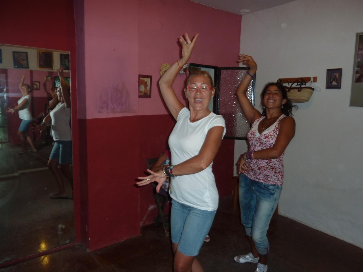Ani (Maestra) y La Ichi dancing in Jerez